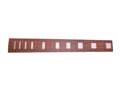 "Rosewood slotted fingerboard (24,7"")"